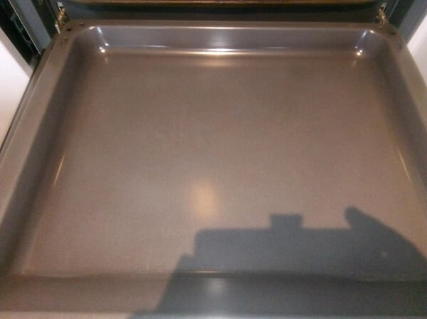 Oven Tray After a Diamond Oven Clean